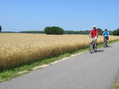 riders on the Virginia Capital Trail